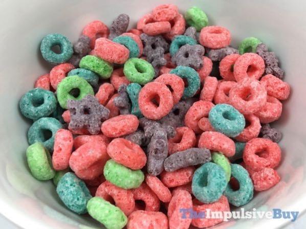 Kellogg s Wild Berry Froot Loops Cereal 2