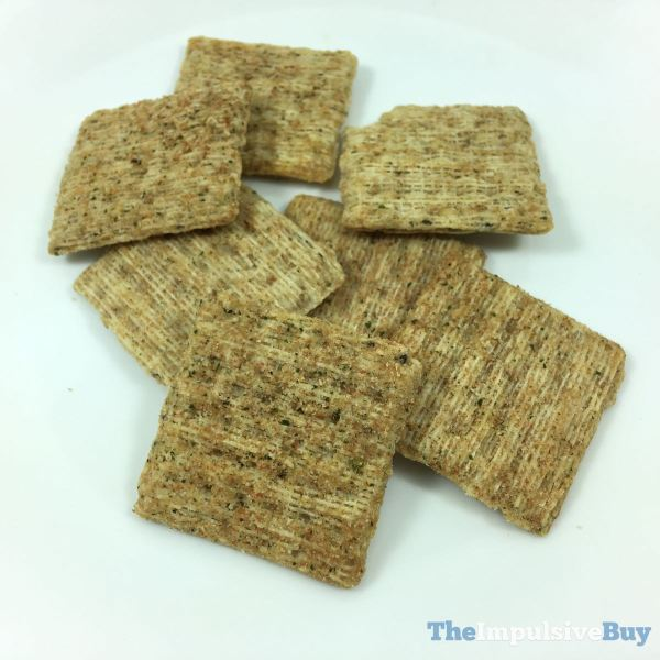 Triscuit Woven with Chia Seeds Rosemary  Jalapeno Closeup
