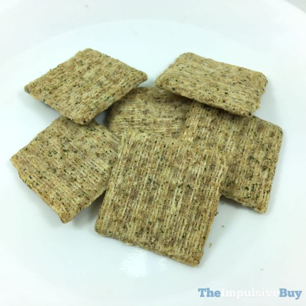 Triscuit Woven with Quinoa Seed Basil  Garlic Closeup