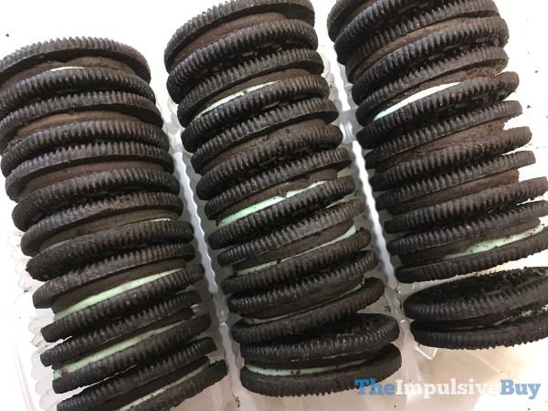 Limited Edition Baskin Robbins Mint Chocolate Chip Oreo Cookies Top