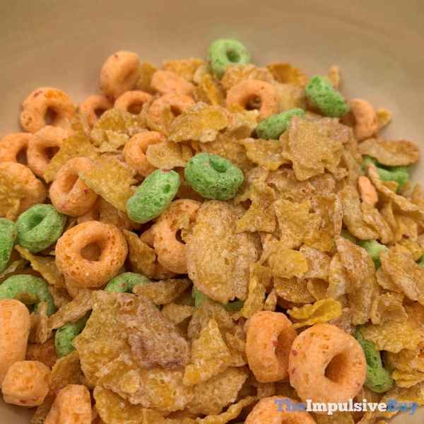 Kellogg s Mashups Frosted Flakes + Apple Jack Cereal Dry