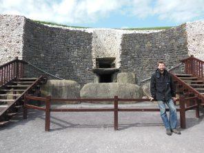 Nathanael, Newgrange entrance, Ireland