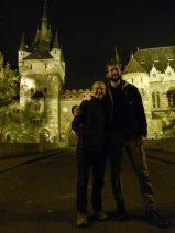 Ashleigh and Nathanael at the gates of Vajdahunyad