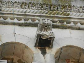 Lion Carving, Split