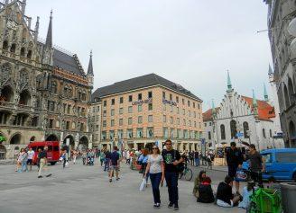 new-rathaus and old rathaus-marienplatz-munich-germany