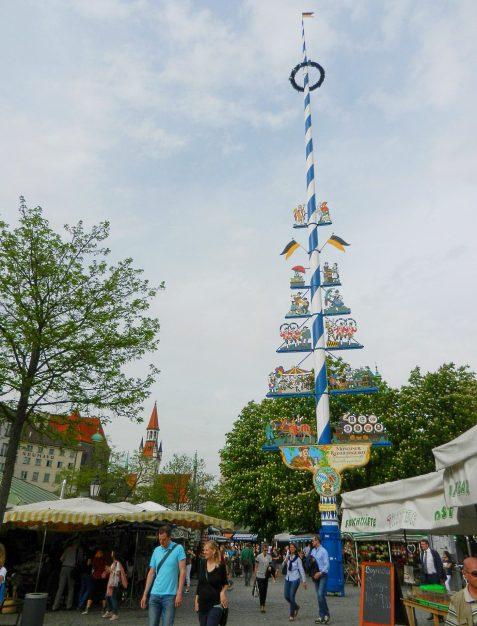 viktualienmarkt-maypole-munich-germany