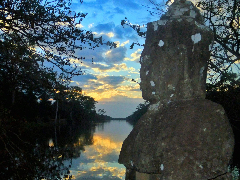 How to Tour Angkor Wat