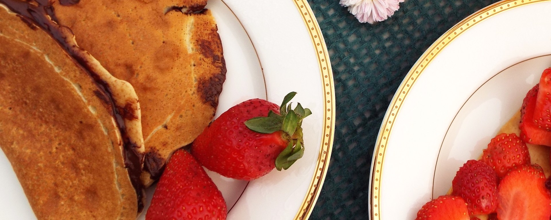 almond oat healthy crepes easy strawberry dessert