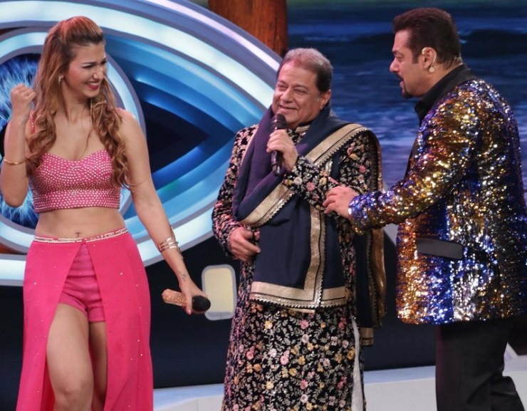 Twitter Is Apparently Pissed With Anup Jalota For Entering Bigg Boss House With His Girlfriend Who Is 37 Years Younger Than Him.