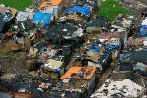 Slum ou bidonville à Ahmedabad d'où viennent une partie des élèves de la MGIS