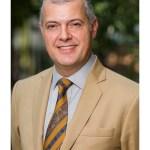 Bertrand de Hartingh, directeur de l'Institut français en Inde souriant photo officielle