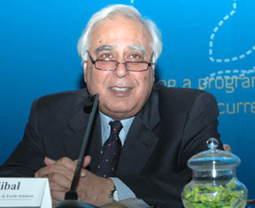 The Union Minister of Science & Technology and Earth Sciences, Shri Kapil Sibal addressing at the launch of the Department of Biotechnology (DBT) and Wellcome Trust India Fellowships, in New Delhi on September 10, 2008.