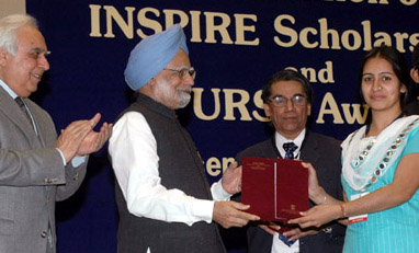 The Prime Minister, Dr. Manmohan Singh presented INSPIRE Scholarship at the launching ceremony of the INSPIRE- Innovation of Science Pursuit for Inspired Research, a scholarship programme of the Department of Science & Technology, in New Delhi on December 13, 2008. The Union Minister of Science & Technology and Earth Sciences, Shri Kapil Sibal and the Secretary, DST, Dr. T. Ramasami are also seen.