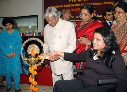 The former President of India, Dr. A.P.J. Abdul Kalam lighting the lamp to inaugurate the workshop 'The Way Ahead for Shelter Workshop', in New Delhi on September 22, 2008. The Minister of State for Social Justice and Empowerment, Smt. Subbulakshmi Jagadeesan is also seen
