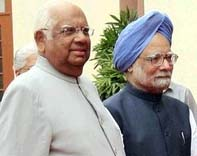 PM calls on the Speaker a day after Somnath Chatterjee's expulsion