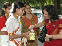 The children collecting fund on the eve of Teacher's Day celebrations organised by National Foundation for Teachers' Welfare, in New Delhi on September 03, 2008.