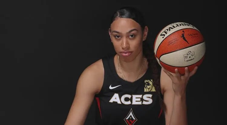 Las Vegas' Dearica Hamby Named 2020 WNBA Sixth Woman Of The Year