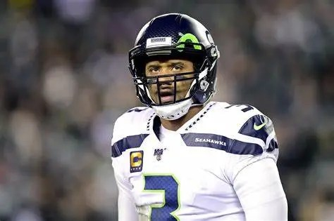 Seattle Seahawks Quarterback Russell Wilson Alters Play So his Teammate David Moore Could Receive a $100,000 Bonus