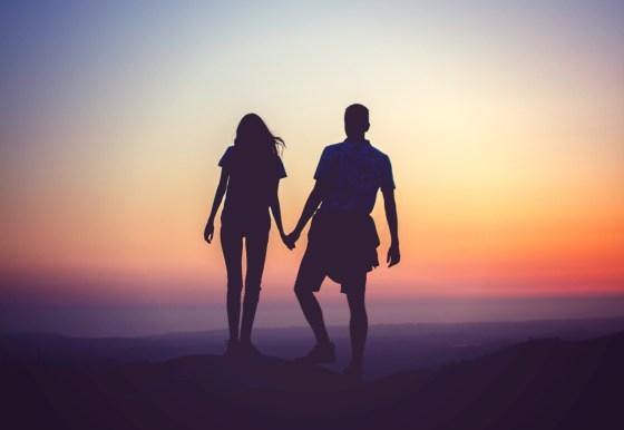 couplesunset-adventure