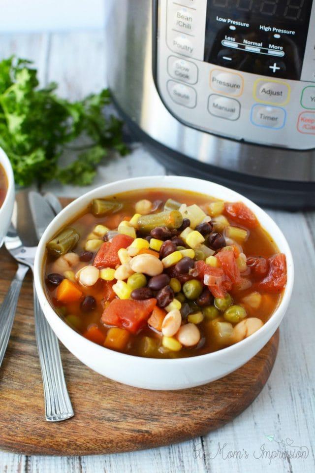 Instant-Pot-Vegetable-Soup
