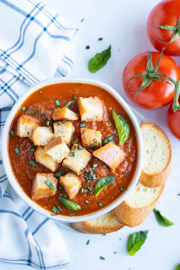 Instant-Pot-Roasted-Tomato-Basil-Soup