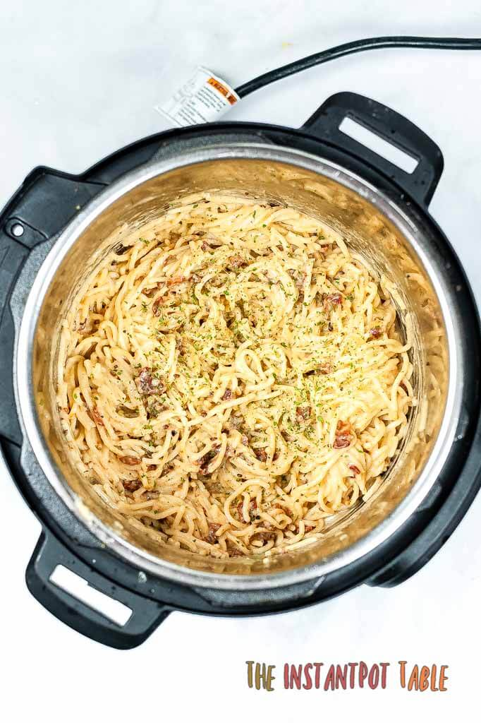 Instant_Pot_Spaghetti_Carbonara_adding_ingredients