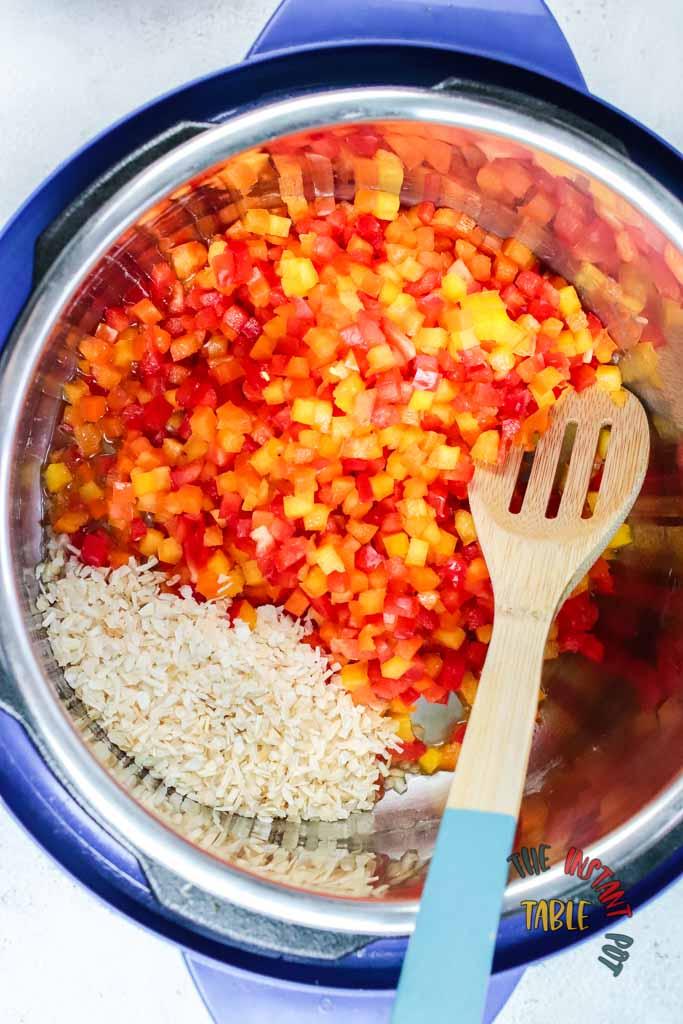 Instant_pot_Black Bean_Chicken_Chili_Ingredients_Step_1-3