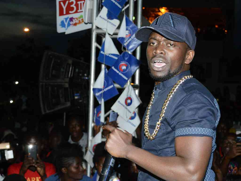 Razy Six-figure calls only, insists Kenrazy