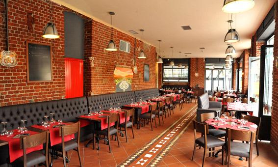 66 Steakhouse Navigli atmosfere rosso fuoco