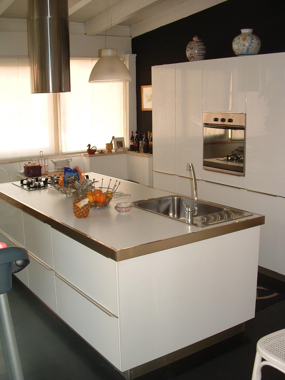 cucina moderna in mansarda
