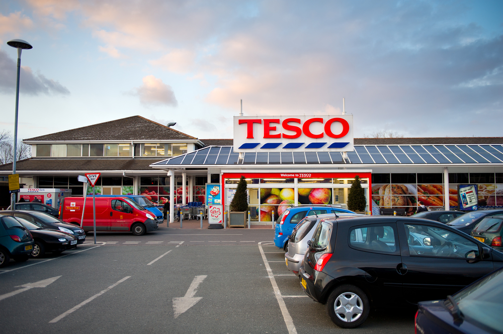 Tesco set to axe 1200 head office jobs