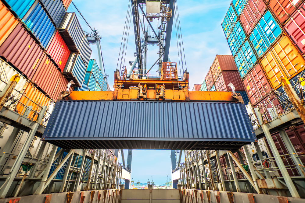 COSCO offers $6.3b for OOIL