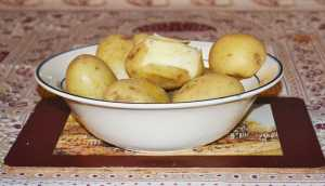 National Potato Day - A Bowl of Floury Potatoes ready for serving - The Irish Place
