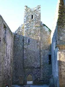 The central tower in Corcomroe Abbey - The Irish Place
