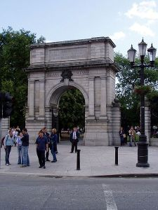Fusilier's Arch on Dublin's Stephen's Green. Dedicated to 212 Dublin soldiers who died fighting in the British Army in the Boer War.