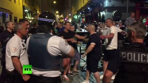 Tear gas for English Euros fans
