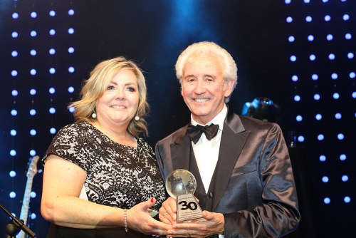 PRESIDENTS PRAISE IRISH WORLD AWARDS