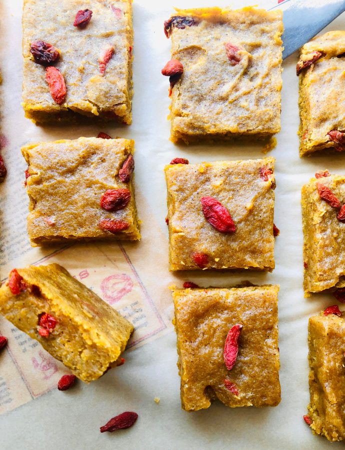 Pumpkin Goji Berry Blondies