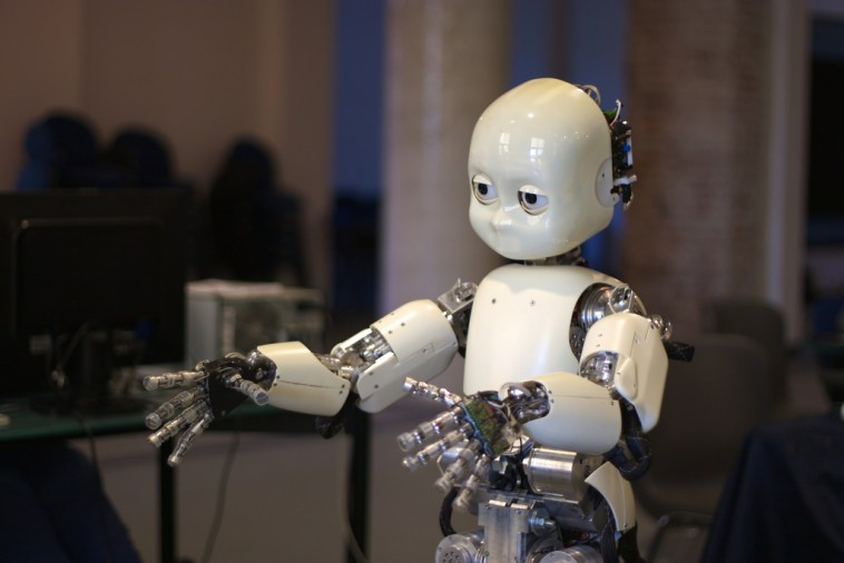 Researchers to Build Robots that can Give Humans Emotional Support