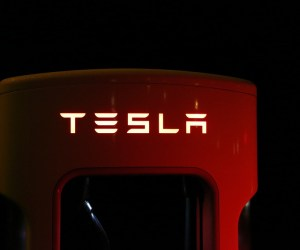 Tesla Set to Make its Cars Safer and Driverless