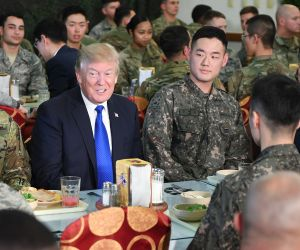 trump meal with soldiers south korea