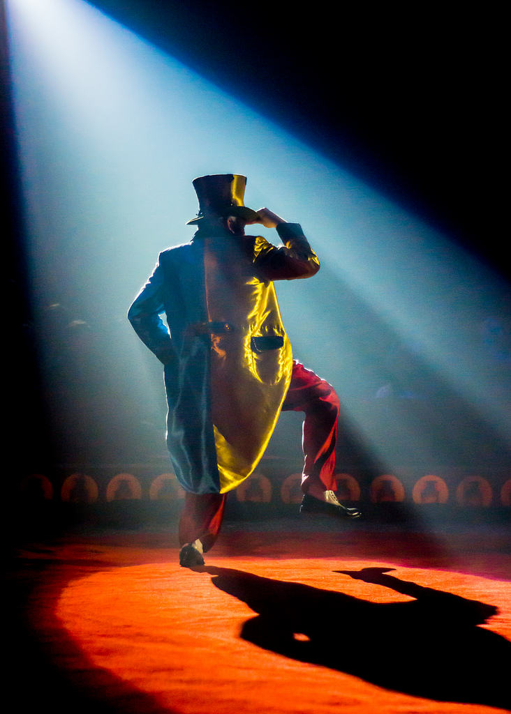 Big Apple Circus - Ring Master Dance