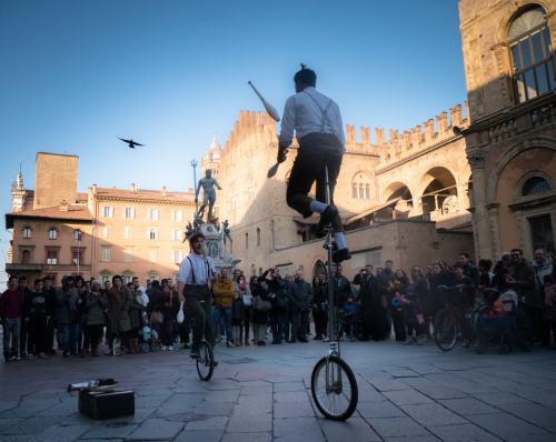 Jugglers in Piazza Nettuno