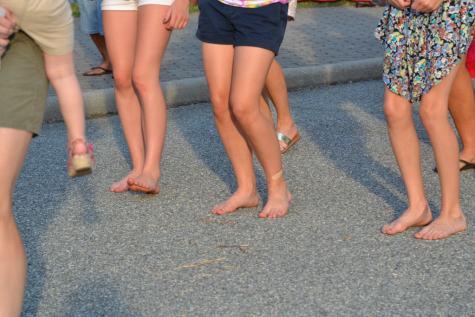 Barefoot Dancers