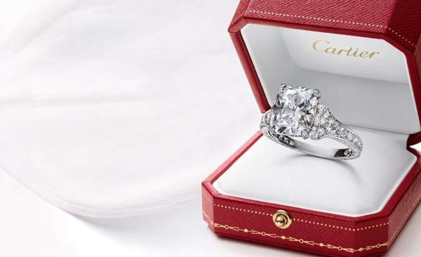 Engagement Rings Timeless Diamonds Jewellery Editor
