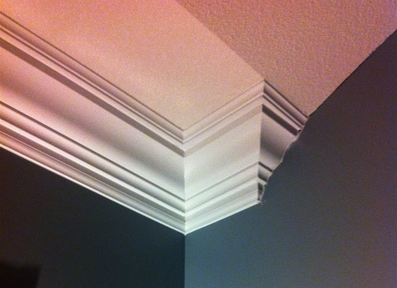 crown molding for vaulted ceiling