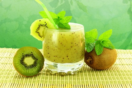 fresh kiwi fruit juice and kiwi fruit