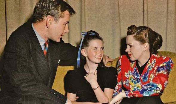 Tom Drake, Margaret O'Brien, and Judy Garland