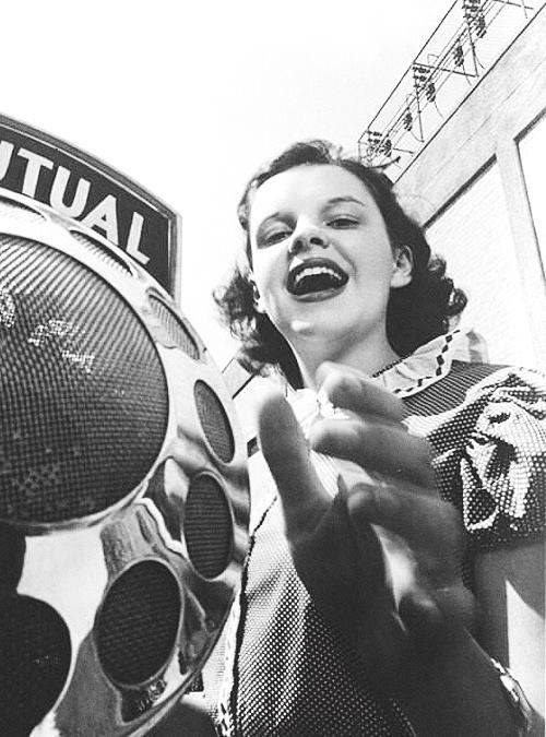 Judy Garland on the radio in 1938