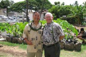 Alapaki Luke and former Chancellor Mike Rota in the HonCC mala